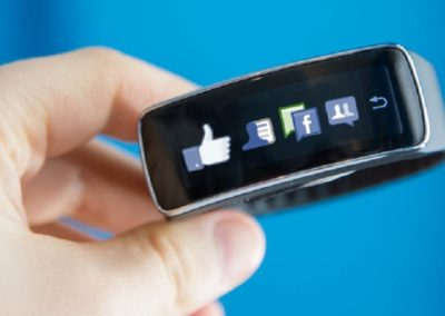 Zuckerberg Wants To Make Facebook Wearable By 2025: Ahead Of His Times Or Crazy?